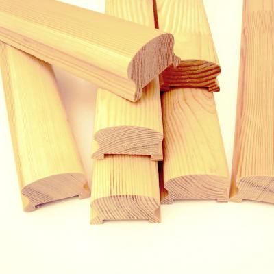Поручень сращенный (сосна) 1с, длина 2,2-4,0 м, размеры 40х65 мм для деревянных лестниц