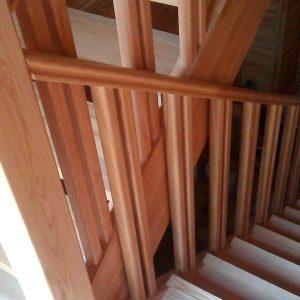 Балясина сращенная (сосна) 1с для лестниц размеры 40х40 мм (длина 0,96м)