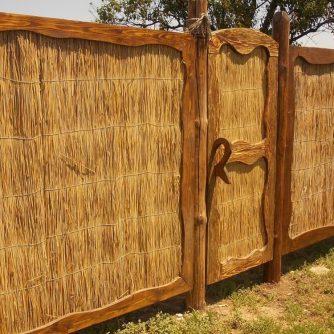 забор из камыша